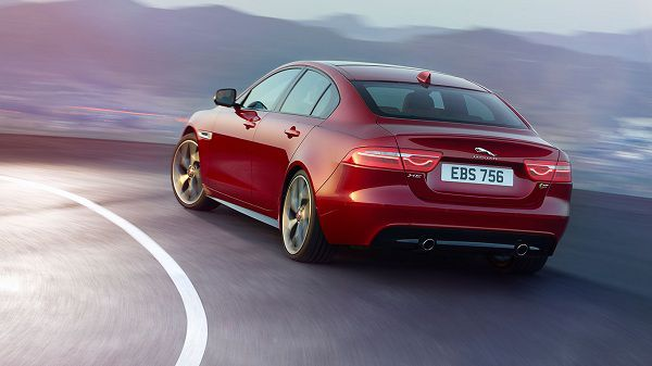 Performance of 2017 Jaguar XE