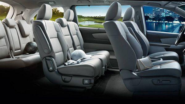 Interior of 2017 Honda Odyssey