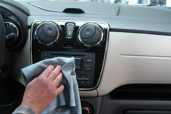 Keep the Interior Clean to Get a Better Resale Value of your Used Vehicle