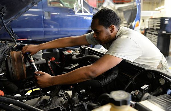 Use Car Maintenance Tips Before You Sell Your Car in Dubai